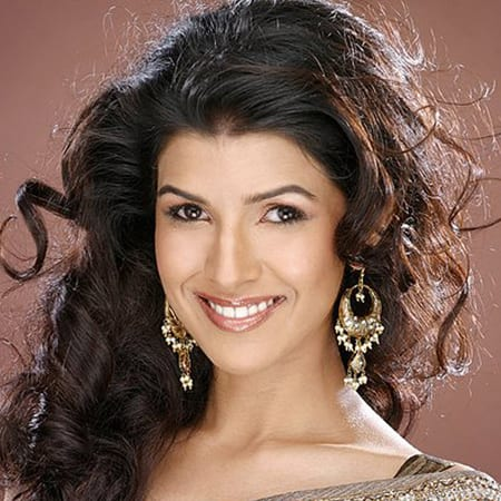 Nimrat Kaur is making her bollywood debut in Lunchbox
