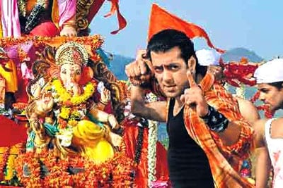 Salman Khan as a host of Ganpati Bappa