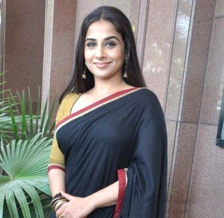 Vidya Balan looking gorgeous in Blue saree