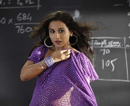 Vidya Balan in Saree looking hot, sexy and glamorous – Other side of beauty!