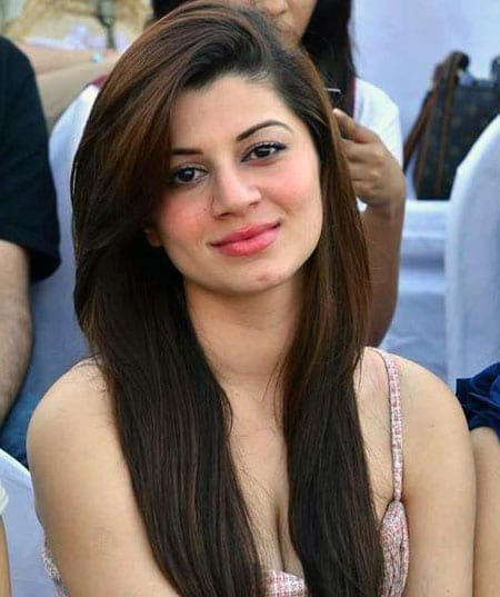 Kainaat Arora is the new sweet face in Bollywood